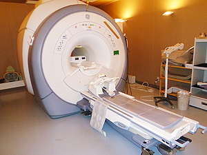 MRI(Magnetic Resonance Imaging)検査